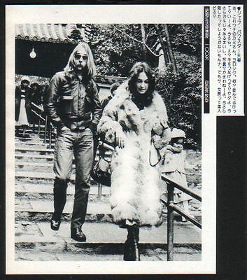 1977 Jeff Skunk Baxster & wife in JAPAN mag photo w/text / clipping steely dan