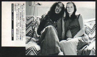 1977 Ken Hensley & wife in JAPAN mag photo w/text /press clipping uriah heep 08m