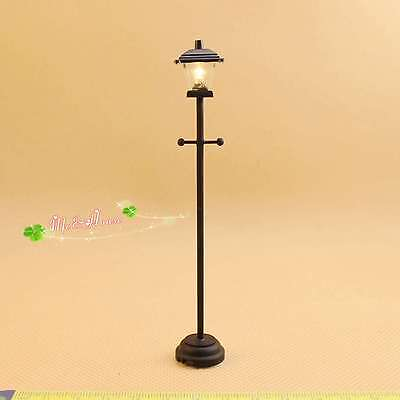 1/12 dollhouse battery-operated/powered led street lamp