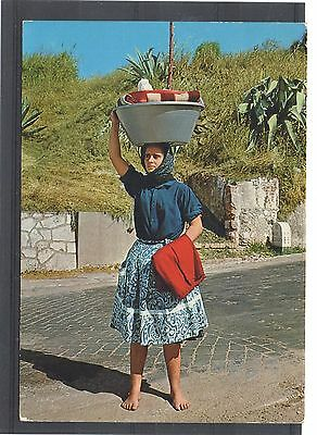 NAZARE (Portugal) = RP, Typical Washer Woman. Mailed 1972 to MALPAS, Cheshire.