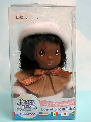 PRECIOUS MOMENTS ESKIMO  International Hi Babies World of Friendship Doll in Box