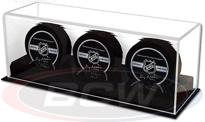 ICE HOCKEY PUCK DISPLAY CASE for 3 Pucks