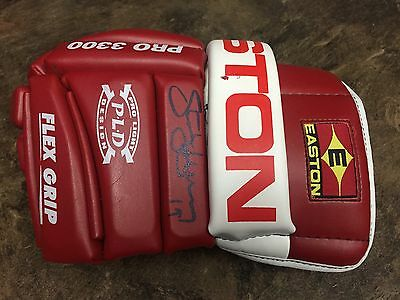 Detroit Red Wings Steve Yzerman Game Used Signed Glove COA
