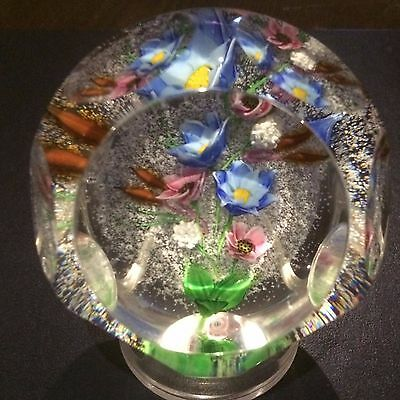 """Beautiful Caithness """"Token of Love"""" Posy Bouquet Faceted Paperweight NIB w/ COA"""