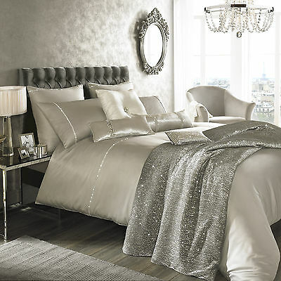 Kylie Minogue at Home Liza Stone Bedlinen ... Free Shipping
