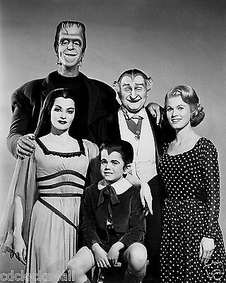 Munsters CAST / Fred Gwynne & Yvonne De Carlo 8 x 10 / 8x10 GLOSSY Photo Picture