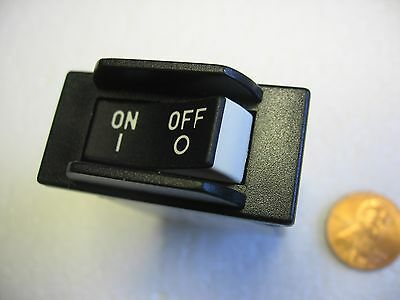 Carling Panel Mount Rocker 10 Amp AC/DC Magnetic Circuit Breaker Switch- New
