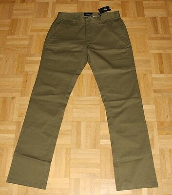 "Brixton Standard Fit Chino Pant ""Reserve"",olive, Gr. 32"