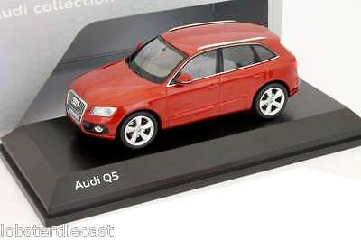 AUDI Q5 in Red 1/43 scale model by SCHUCO