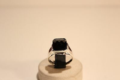 Vintage Beautiful Large Sterling Silver Ladies Ring With Black Stone