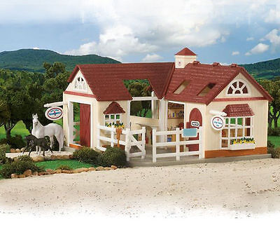 Breyer Deluxe Animal Equine Hospital Stable  - Stablemates Model - #3115
