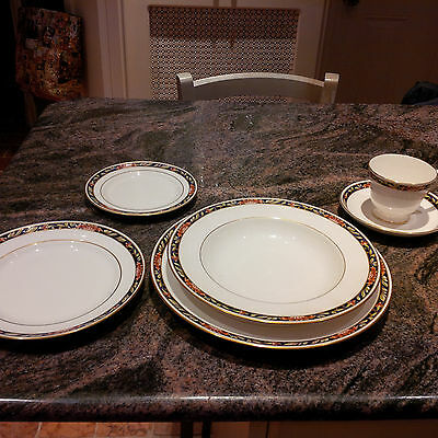Spode Fine Bone China Pattern Orient 8 place settings + serving dishes