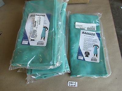 "Lot Of 7 New In Pack Radnor 24""x42"" Flame Retardant Green Bib Apron 64054942"
