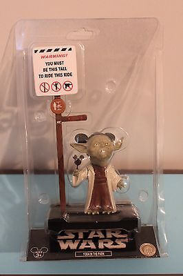 YODA IN THE PARK BOBBLEHEAD FIGURE Star Wars Disneyland Funny Collectible NEW