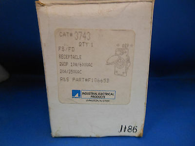 Thomas & Betts / Russellstoll Receptacle 3743 10A@600V 20A@250V 2W 3P FD BOX NEW