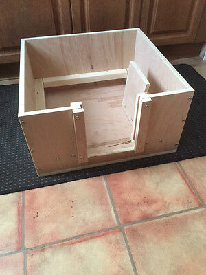 "whelping box 30"" square apprx wooden whelping box free local delivery or postage"