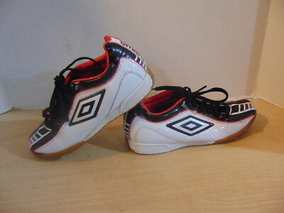 Soccer Shoes Cleats Childrens Size 5 Umbro Indoor Red Black White