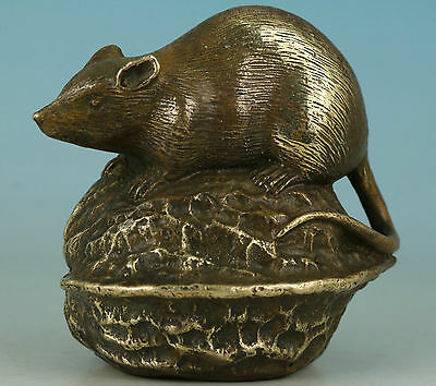 Rare Chinese Old Brass Hand Carved Walnut Mouse Statue Collectible Hand pieces