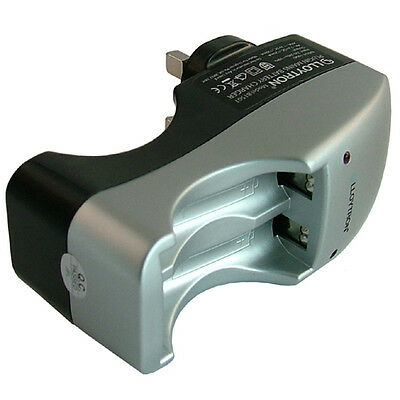 LLOYTRON MAINS PLUG IN BATTERY SLIMLINE CHARGER CHARGES AA + AAA 2 or 4 BATTERY