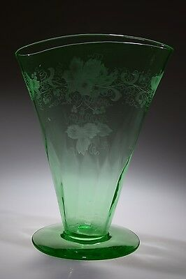 ca. 1930's FLORAL WHEEL CUT Deco. Signed Hawkes GREEN Uranium Fan Vase