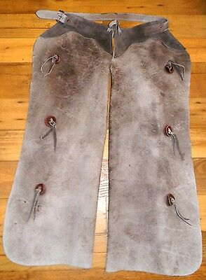 "Vintage Old 37-1/2"" Heavy Duty Bull Hide Leather Batwing Chaps with Pockets"