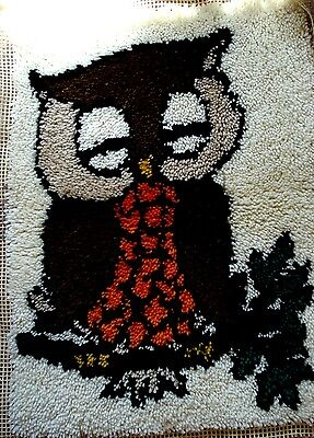"""1977 Vintage Finished Latch Hook Rug/Wall Hanging Owl Size 20"""" x 27"""""""