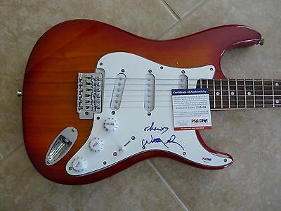 Willie Nelson IP Signed Autographed Country Music Guitar PSA Certified