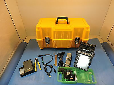 Fujikura FSM-70S Core Alignment Fusion Splicer, w/ CT-30, 21,272 Arc Count