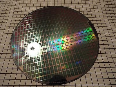 SILICON WAFER - Fully Designed Test Wafers      200mm od - Lot CXXV-A3
