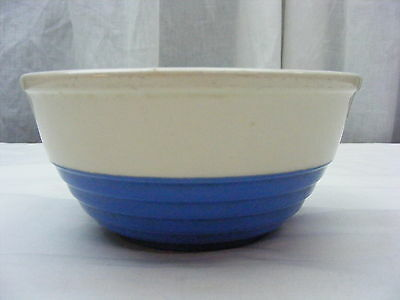 Vintage Universal Pottery Cambridge Serving Vegetable Bowl Blue White *1