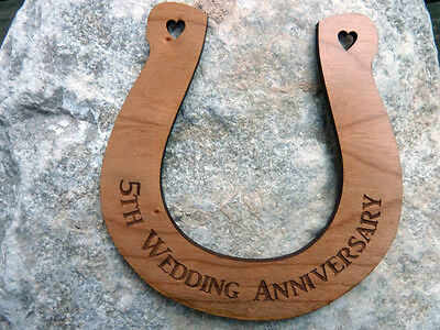 Personalised 5th Wedding Anniversary Gift Horseshoe : Traditional 5 year married
