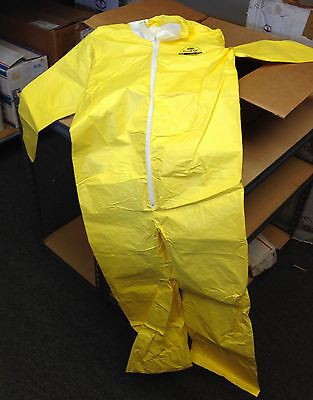 DuPont - Tyvek  - 05412 - Biohazard Zippered Coveralls Size MD 13-3115216 Yellow
