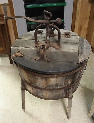 Antique Early 1900's W. & H. Walker Co Wood Barrel Rotary Washer