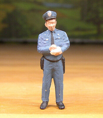DETAILED POLICE MAN w/ TICKET BOOK PEOPLE PEWTER FIGURE S SCALE TRAIN LAYOUT