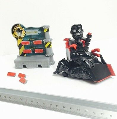 Robot Wars Pull Back & Go Battlebot Refbot Complete With Accessories