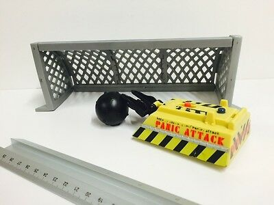 Robot Wars Pull Back & Go Battlebot PANIC ATTACK With Accessories
