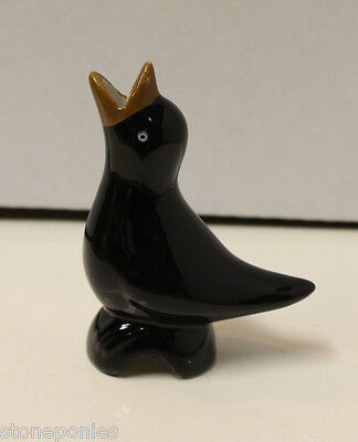 New Ceramic Blackbird Pie Vent Bird Baking Aid Accessory **