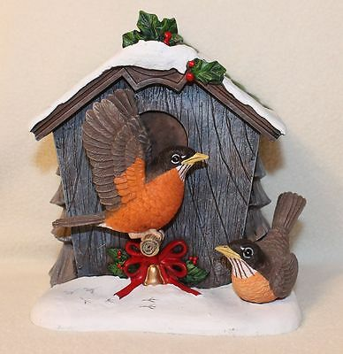 Hawthorne Village Robin A uthentic Songbirds Holiday Birdhouse Figurine