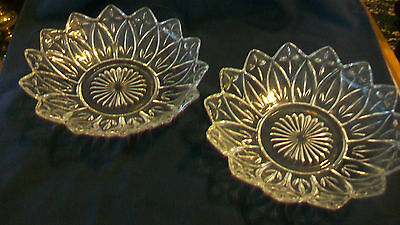 Pair Of Vintage Glass Candy Dish Or Trinket Holder With Triangle Edges
