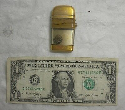 Vintage Used VU LIGHTER by Scripto Inc. Roman Soldier Gold colored band No Spark