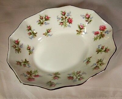 """ROYAL ALBERT  WINSOME ROSE BONE CHINA 5-3/4"""" LONG BY OVAL NUT or CANDY DISH!"""