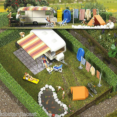 CARAVAN SCENE with accessories 1/87 / HO scale plastic model Busch