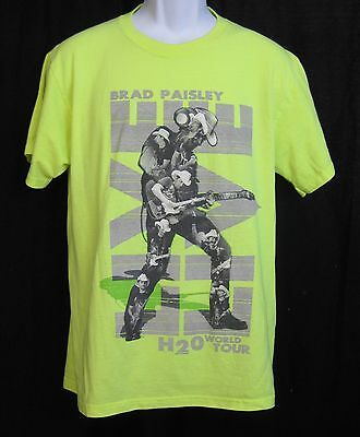 Brad Paisley H2O Frozen Over World Tour Country Music T-Shirt Size Medium Yellow