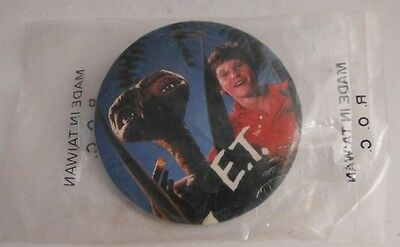 1982 Et 2 1/8 Inch Pinback Pin Button In Bag