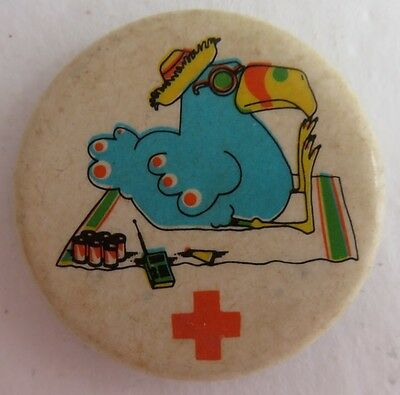Vintage Toucan Red Cross Pin Pinback Button     (Inv2295)