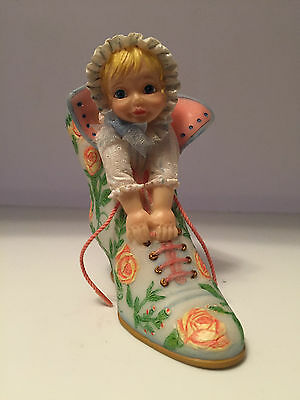 Ashton Drake Tiny Dreamer Collection - Rose Garden Governess - Baby in Shoe