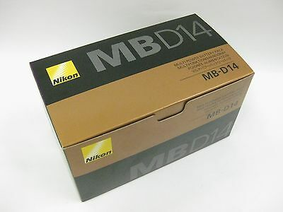 Nikon MB-D14 multi-power battery pack for D600 and D610 USA demo
