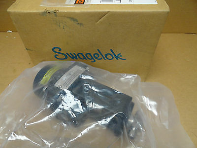 "Swagelok SS-4BW-5C 1/4"" Stainless Actuated Valve NIB"