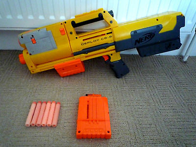 Nerf N-Strike Deploy Cs-6 / Collapsable Gun / Magazine & 6 Bullets / Laser Sight
