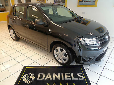 Dacia Sandero 0.9TCe 90bhp Ambiance 5dr *Only 23900 Miles - One Owner* 2013 13